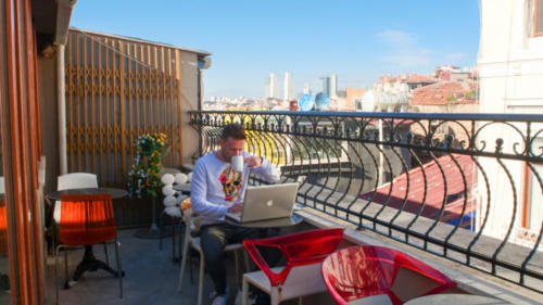 Stay Inn Taksim Hostel offers a terrace.